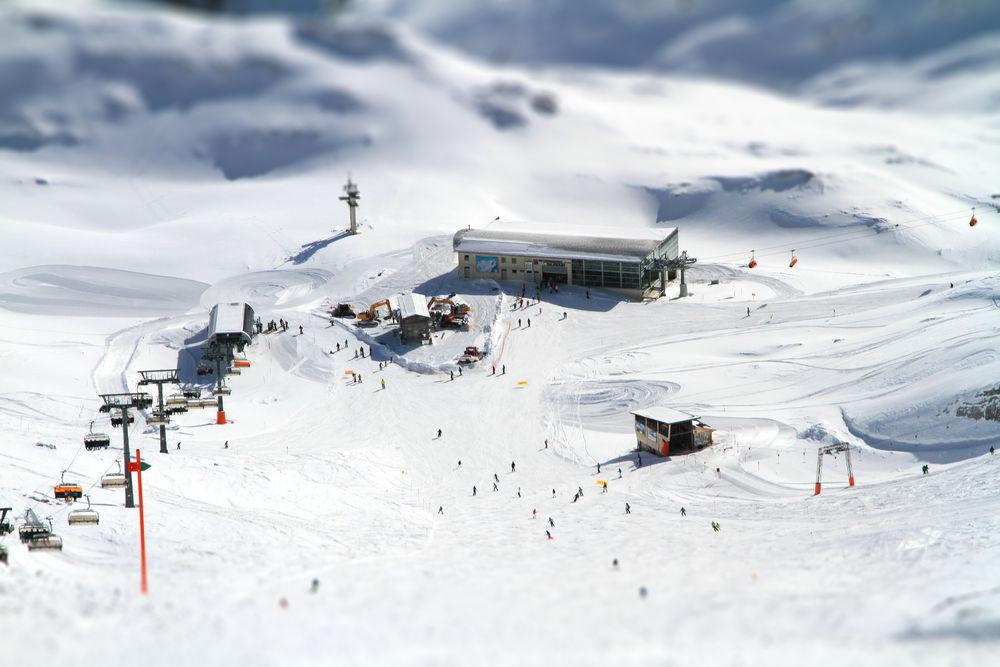 Zugspitze-Garmisch-Eibsee04-tiltshift